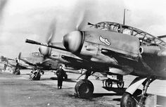 Messerschmitt Me 410, armed for bomber interception with 1x 50mm cannon. Note telescopic sight, and kill marking rings on cannon barrel.