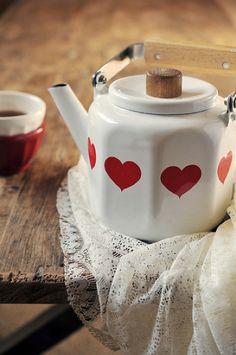Cuteness - Hearts Teapot.