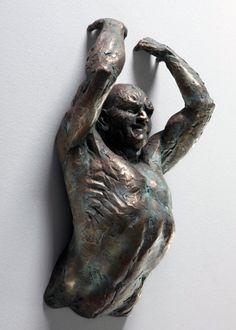 De entre las blancas paredes brotan la cara, piernas y brazos de estas esculturas condenadas al movimiento continuo. Rompiendo el silencio c...