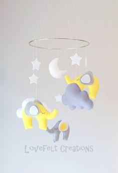 Baby Mobile Elephant mobile Mobile Elephant par LoveFeltXoXo