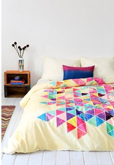 I wish this was my comforter/bed spread!!!!!!!