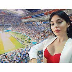 Georgina during the match between Uruguay and Portugal :) x Ronaldo Wife, Cristiano Ronaldo Girlfriend, Muslim Beauty, Ariana Grande Pictures, Hollywood Actresses, Indian Beauty, Bella, Cute Girls, Girlfriends