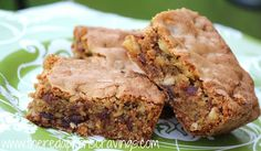 Dates and Walnuts bar is a Delicious, rich, and sinful treat fitting to be serve For the Gods. No Bake Desserts, Dessert Recipes, Bar Recipes, Food For The Gods, Food Of The Gods Recipe, Baking Recipes, Cookie Recipes, Filipino Desserts, Filipino Food