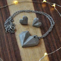 9e2ea1a4e247 Joyas de hormigón pendientes de corazón geométricos y collar