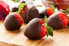 """Great Edibles Recipes: Chocolate Covered """"Sativa"""" Strawberries 