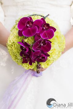 Bridal bouquet: October   -   Some of the used flowers: orchid