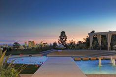 HOME OF COURTENEY COX AND DAVID ARQUETTE  |  Beverly Hills, CA  |  Luxury Portfolio International Member - Hilton & Hyland