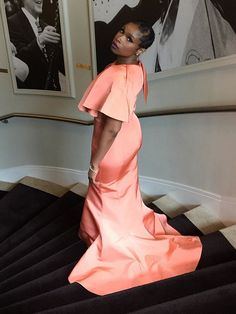 Jennifer Hudson Wears a Dress 'Not Made for Sitting' to Ciara and Russell Wilson's Wedding http://stylenews.people.com/style/2016/07/06/jennifer-hudson-peach-dress-ciara-russell-wilson-wedding/