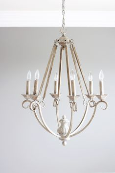 Looking for a way to transform that outdated chandelier? This easy DIY chalk paint chandelier makeover will bring your chandelier from drab to fab! Painted Chandelier, Old Chandelier, Chandelier Makeover, Chandelier Ideas, Outdoor Chandelier, Diy Furniture Projects, Furniture Makeover, Diy Projects, Project Ideas