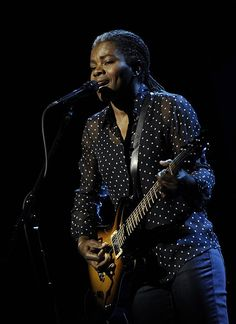 "Pin for Later: Tracy Chapman's Cover of ""Stand by Me"" Will Haunt You"