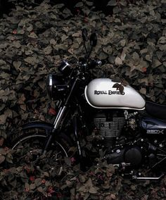 Enfield Bike, Enfield Motorcycle, Motorcycle Style, Royal Enfield Thunderbird 350, Royal Enfield Wallpapers, Royal Enfield Accessories, Royal Enfield Modified, Enfield Himalayan, Enfield Classic