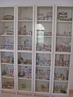 Make It Small: Perfect way to have roomboxes when you've no room for dolls house - use display cupboard :)