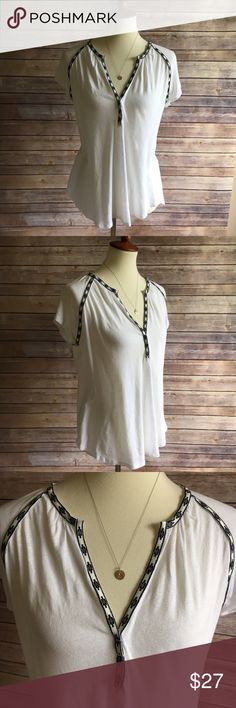Madewell Stitchline Top Folk-cool embroidery. A blousy, shirred shape. Pop it on with shorts or a skirt! Been worn a good bit, but in good pre loved condition. The material has a pill-y texture to it, but that's the nature of the fabric and not an indication of use ☺️ can fit S/M  True to size. Cotton/linen. Hand wash. Import. Item A3165. Madewell Tops Tees - Short Sleeve