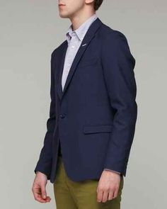 For a more casual, trendy look, opt for a single-button peak-lapel jacket.
