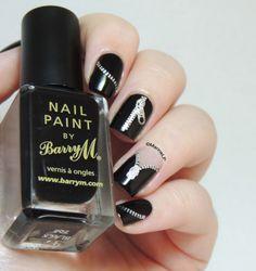 Nailstorming - Rock'n'Roll http://marinelovespolish.blogspot.fr/2014/03/nailstorming-rocknroll.html