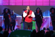 Stan Walker performing at Nickelodeon Kids Choice Awards
