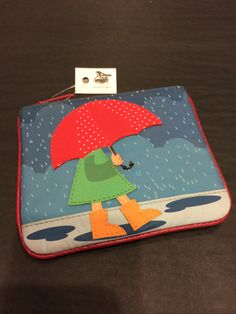 Leather coin purse featuring a rainy day scene. £11 www.mymagpiesnest.com