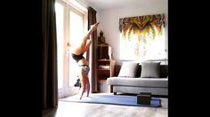 cara melakukan senam yoga di rumah yang mudah dan praktis