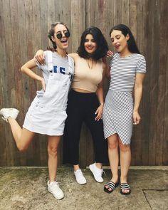 Quezia e Quedma, estudantes de Moda, loucas por Fotografia e Estilo! Aqui você recebe dicas de moda, estilo, cabelo e muito mais! SEJAM BEM VINDAS!