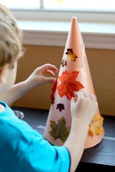 I'm featuring some really unique fall crafts for kids that were shared last week. I loved the variety of materials used and the interesting ways things were created. Keep on reading to find some unique fall craft inspiration for kids! Autumn Crafts, Crafts For Kids To Make, Autumn Art, Autumn Theme, Art For Kids, Harvest Crafts, Autumn Ideas, Kids Diy, Fall Preschool