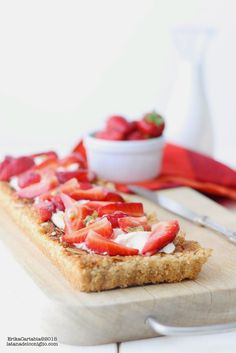 frangipane tart with strawberries and passion fruit