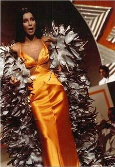 Cher in Bob Mackie from The Cher show 70s Fashion, Autumn Fashion, Vintage Fashion, Fashion Outfits, Fashion Tips, Fashion Design, Classy Fashion, Fashion Black, Fashion Ideas