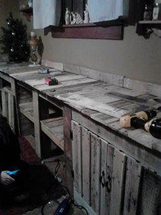 Scrapality.com: Pallet Solutions-Dining Room Wall Cabinet