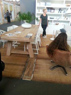 #woonbeurs Amsterdam. Mooie robuuste tafel.
