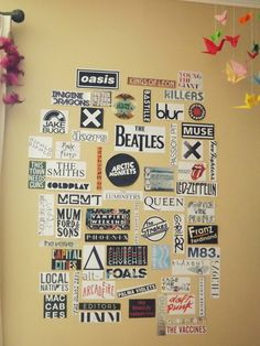 thebeatles thedoors articmonkeys queen ledzeppelin the smiths coldplay. bedroom tapestry Image about indie in :Photos: by Angelique on We Heart It