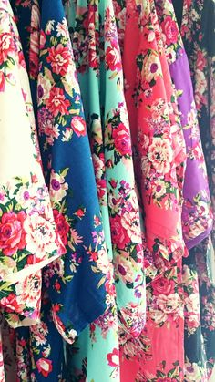 Floral Bridesmaid Robes Bridesmaid robes for your bridal party Maid Of Honour Dresses, Maid Of Honor, Bridesmaid Robes, Brides And Bridesmaids, Bridal Planner, Wedding Planner, Million Dollar Wedding, Casual Bride, Flower Girl Robes