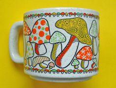 vintage mushrooms mug 70s kitsch