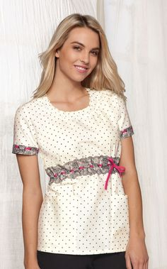 Hip Flip Smocked Round Neck Scrub Love it! Koi Scrubs, Cute Scrubs, Nursing Scrubs, Medical Scrubs, Medical Uniforms, Work Uniforms, Scrubs Uniform, Phlebotomy, Scrub Tops