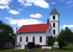 Katahdin Woods & Waters Scenic Byway Gallery – Town of Sherman Mills, Sherman Maine: Church and Old Zach Cannon (Photography: Thierry Bonneville)