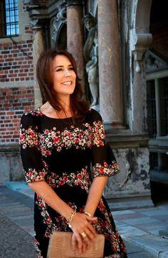 Et par dejlige pletskud fanget af vores dejlige naturlige Kronprinsesse Mary efter endt officielt arrangement på Frederiksborg Slot