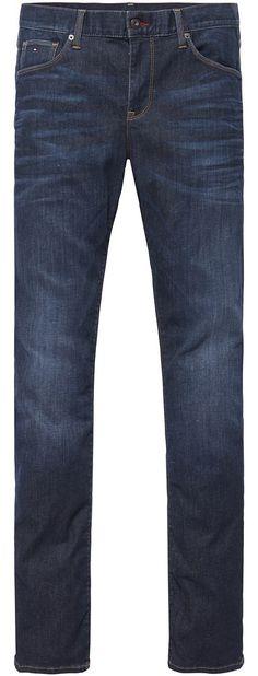 Tommy Hilfiger Slim Fit-Jeans in dunkelblauer Waschung mit Stretchanteil: Der gerade Schnitt und die niedrige Leibhöhe sorgen für einen trendigen Auftritt.92% Baumwolle, 5% Polyester, 3% Elastan...