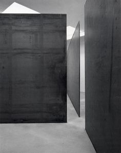 material :: Circuit, 1972/89 :: Massive rolled steel, 4 steel plates :: Richard Serra