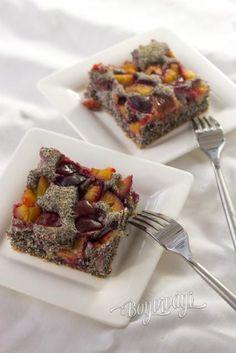 Maková bublanina | Bonviváni Czech Desserts, No Bake Desserts, Healthy Desserts, Delicious Desserts, Fruit Recipes, Sweet Recipes, Cake Recipes, Cooking Recipes, Slovak Recipes
