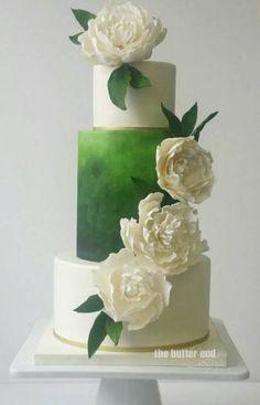 Modern Wedding Cakes The Butter End Wedding Cake Inspiration - Cakes Unique Wedding Cakes, Beautiful Wedding Cakes, Gorgeous Cakes, Wedding Cake Designs, Green Wedding Cakes, Trendy Wedding, Bolo Fack, Green Cake, Wedding Cake Inspiration