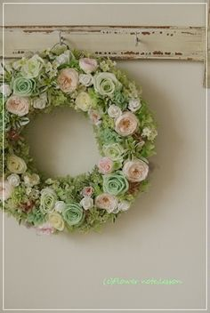 『【ブライダル】爽やかなウェルカムリース』 Flower Bouqet, Flower Art, Felt Flowers, Dried Flowers, Flower Wreath Funeral, Victorian Crafts, Crochet Wreath, Wedding Reception Flowers, Wedding Prints