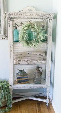 Cabinet Makeover - Ideas for the house , Target Home Decor, Cheap Home Decor, Diy Home Decor, Shabby Chic Farmhouse, Farmhouse Decor, Antique Farmhouse, Cabinet Makeover, Antique Decor, Decorating Small Spaces