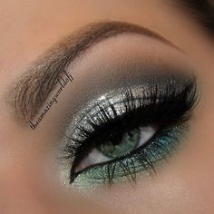 Pretty colors | Eyeshadow for blue or green eyes | blue turquoise silver grey green | black liner + mascara | evening eyes