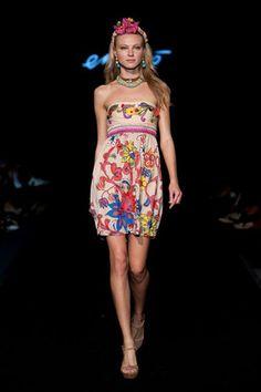 Emamò su Fashiontimes.it, omaggio alla pittrice Frida Kalho