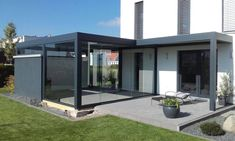 Louvered terrace covering Camargue. A special project with joined terrace covers and glass sliding panels by our installer Villatrium - http://www.villatrium.de/ - http://www.renson-outdoor.com/en/product/aluminium-pergola-camargue