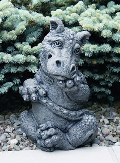 Hamm dragon statue I think he's super cute! Dragon Garden, Dragon Z, Clay Dragon, Dragon Statue, Fantasy Creatures, Mythical Creatures, Dragon Dreaming, Dragon's Lair, Cute Dragons