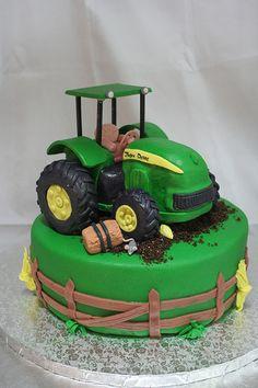 John deere cake big green tractor cake, cupcake cakes и birt Fancy Cakes, Cute Cakes, Tractor Birthday Cakes, Tractor Cakes, Cake Decorating For Kids, Gateau Baby Shower, Deer Cakes, Decoration Patisserie, Farm Cake