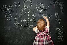 Crianças pequenas e bebês aprendem muito rápido. Mas por que apressar a alfabetização? Para a especialista em neuropsicologia Michelle Müller, é perda de tempo.