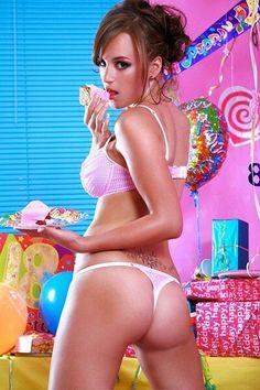 Rosie Jones looking sexy and gettin fat Elegant Lingerie, Pink Lingerie, Sugar Baby Dating, Rosie Jones, Exotic Women, Pink Love, Hot Girls, Sexy Women, Model