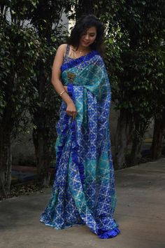 No hassle of pleats, pallu, petticoat, pico & fall. Just wear like wraparound skirt. Pink Sandals, White Sandals, White Beige, Blue And White, Party Sarees, Satin Saree, Work Sarees, Printed Sarees, Cotton Silk