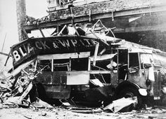 London transport seen in the City of London after suffering bomb damage during London Bus, London Street, London City, Ww2 Bomb, London Bombings, The Blitz, London Pictures, War Photography, London Transport