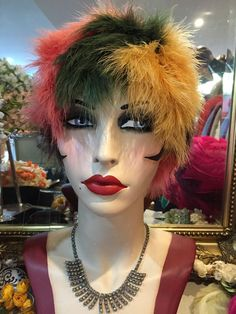 STUNNING TRUE VINTAGE 1960 s MULTI COLOURED FEATHER HAT